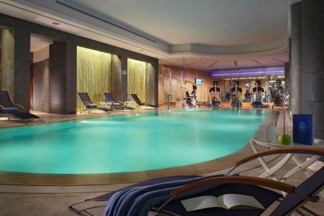 Swissotel riverside tower 234 rooms m2 for Public swimming pools in riverside ca